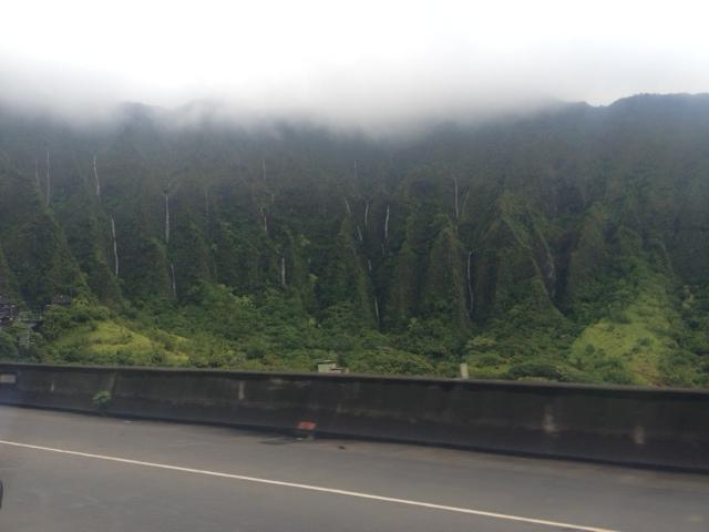 the Ko'olau mountain range with loads of waterfalls