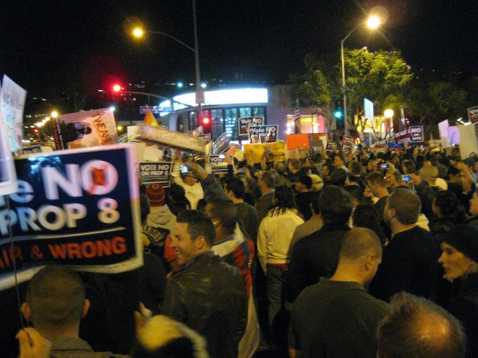 our numbers swelled, and eventually there were enough of us to claim the Santa Monica/San Vicente intersection